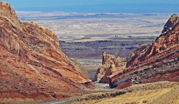 Green River formation in Utah, photo - Don Graham